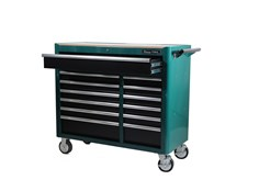 A comprehensive tool solution designed for vehicle mechanics. Trolley with 13 drawers of which the 4 lower drawers have been left empty for other tools. The trolley is supplied with a sturdy wooden panel for the work surface. A comprehensive mobile tool storage solution, with generous working surface. 