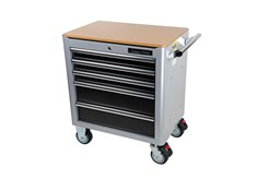 Tool trolley in sturdy double-wall steel construction. The drawers  pull out fully and have sturdy, 46 mm ball bearing runners. To avoid the  risk of the trolley tipping forward under the weight of the tools, only  one drawer can be opened at a time. 