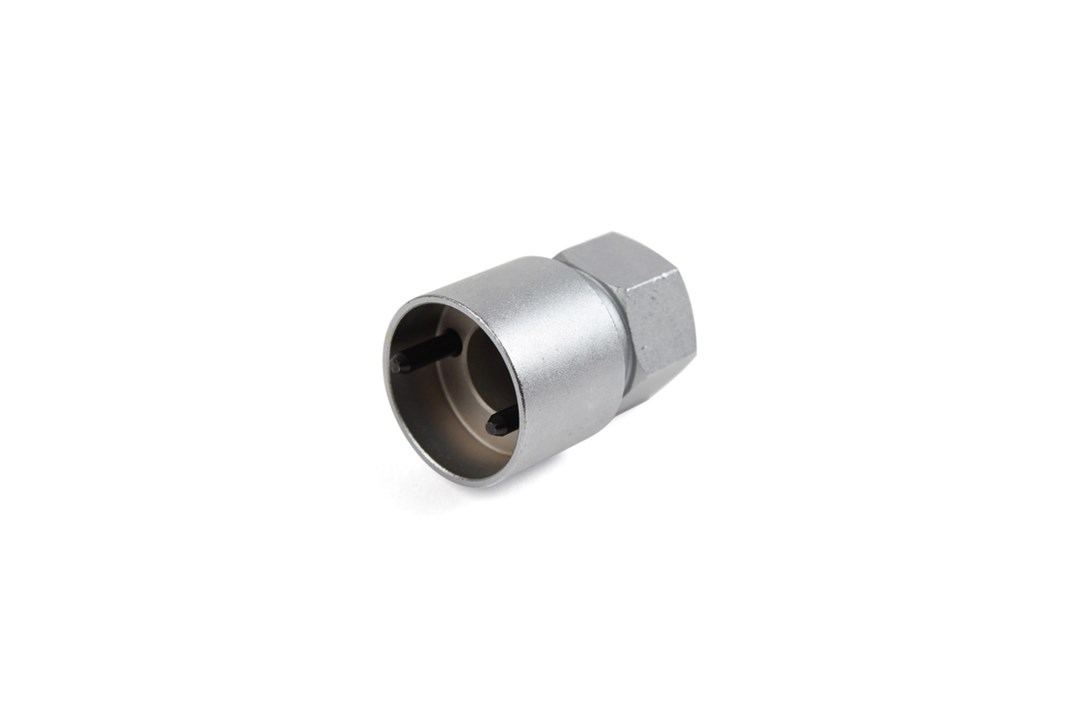 Socket for threading tool