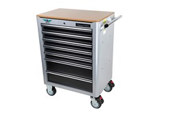 This tool trolley has been designed in collaboration with engineers and mechanics in the aerospace industry. The trolley contains 233 tools especially selected for service and maintenance of both propeller and jet aircraft, as well as helicopters. Major emphasis has been placed on providing a complete range of tools of the highest quality, prioritizing ease of use and harmonization with the work environment.